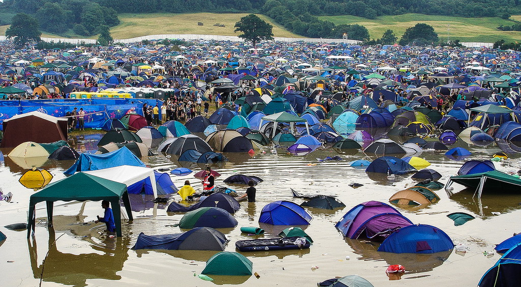 Music Festival Accommodation To C& or Not to C& - Eventraveler Blog & Music Festival Accommodation: To Camp or Not to Camp ...